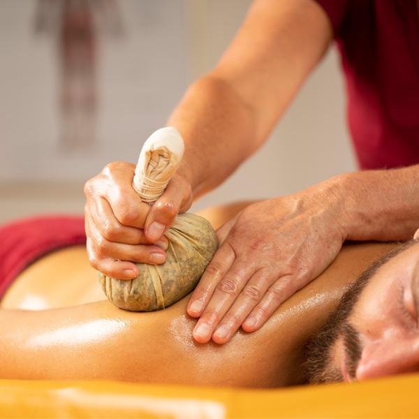 Ayurveda Behandlungen & Ayurveda Massagen