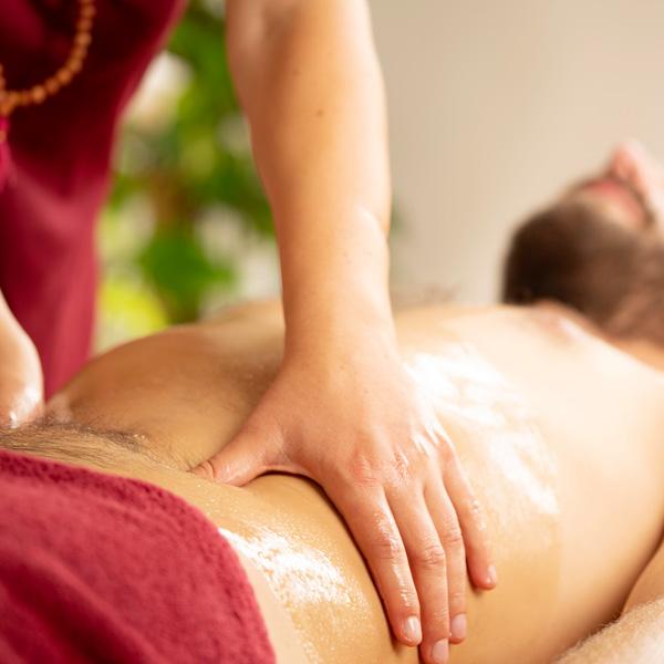 Ayurvedische Bauchmassage