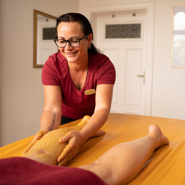 Udvartana Ayurveda Massage