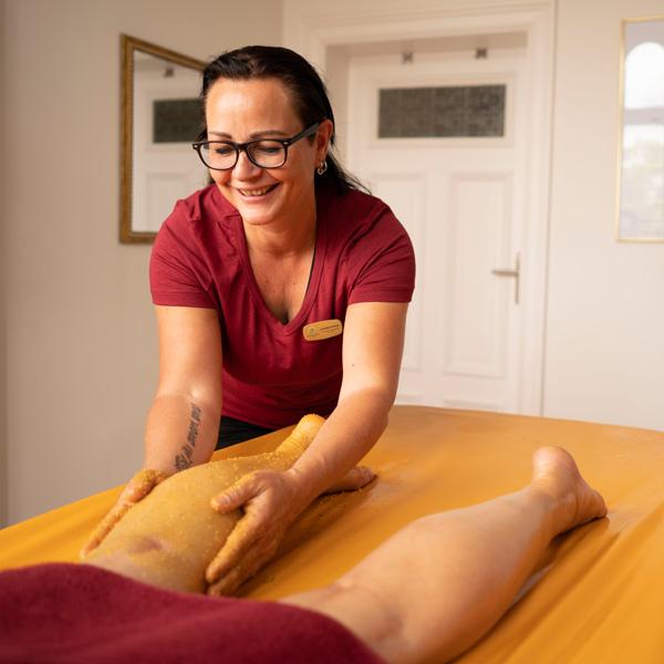 Udvartana Ayurveda Massage